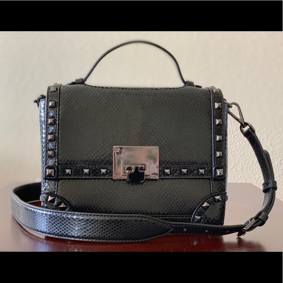 4d0943cb52df NWT🖤Michael Kors Embossed Leather Tina Trunk Bag